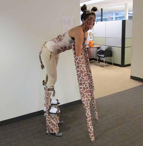 giraffe-halloween-costume-3.jpg