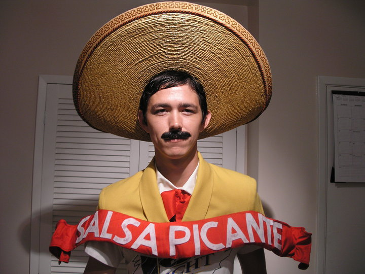 salsa-picante-hilarious-halloween-costume.jpg