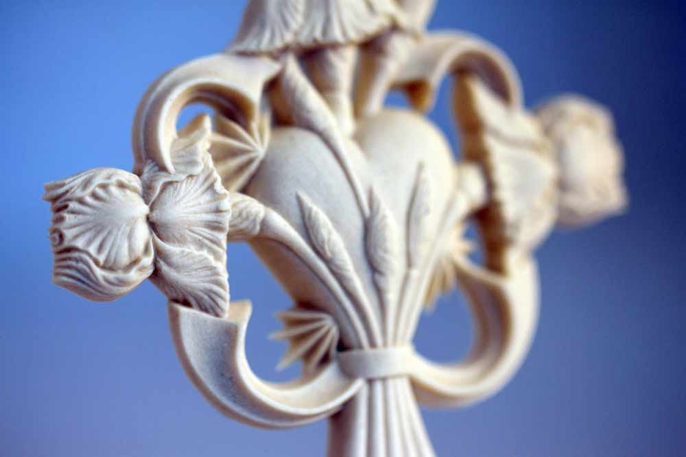 restores-my-soul-psalm-23-porcelain-cross-ornament