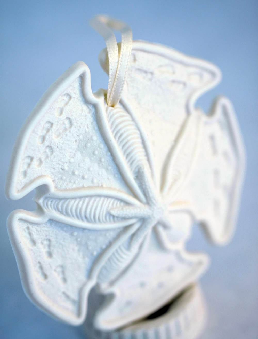 dear-friend-sand-dollar-porcelain-shell-ornament