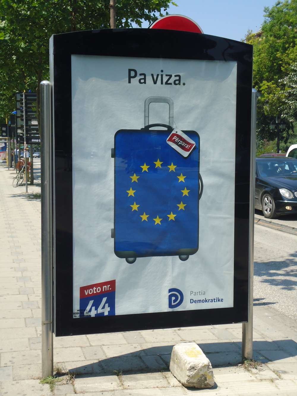 Campaign poster: without visas