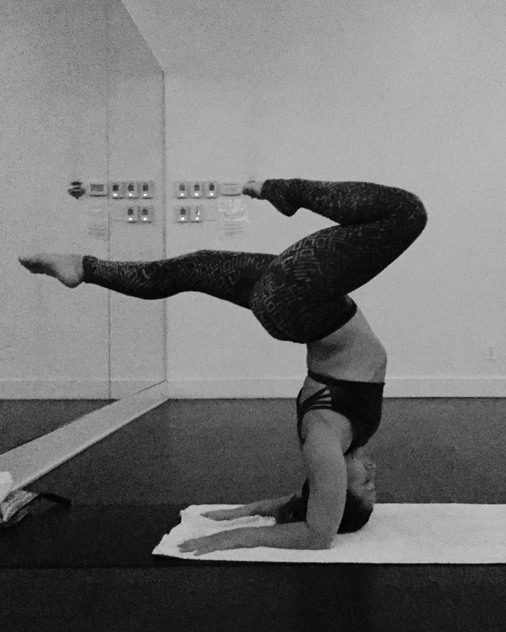 Anna Farkas yoga_2000.jpg