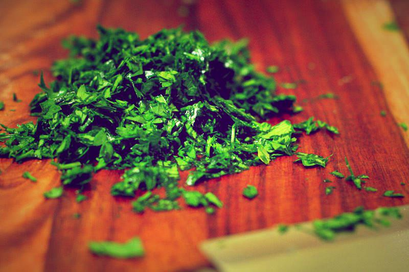 parsley-chopped.jpg