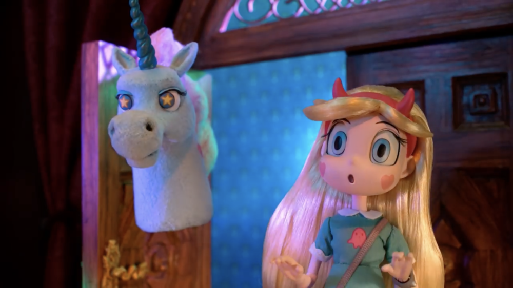 Disney XD: Haunted Mansion - Ponyhead and Star meet Leota