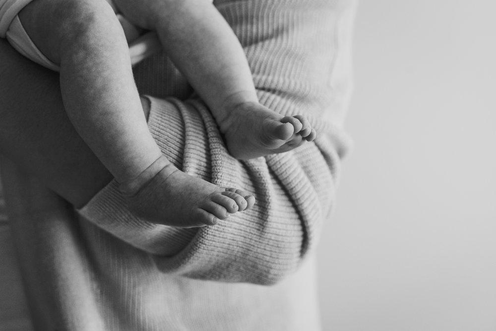 Tiny-Baby-Feet-New-Jersey-Wood-Ridge-Photographer