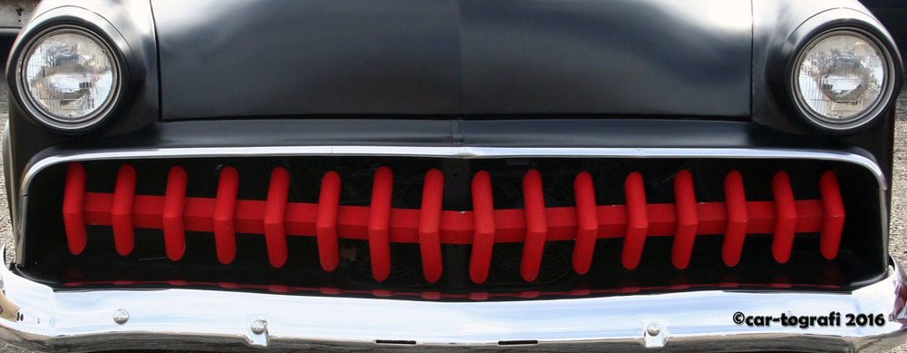 red-teeth-car-tografi.jpg