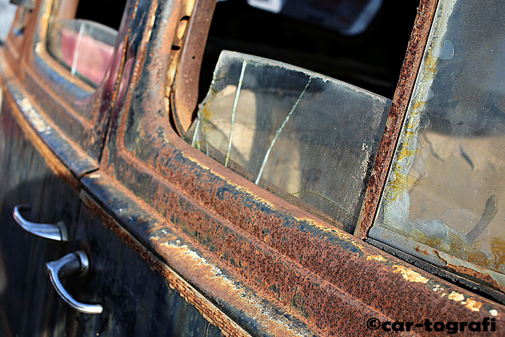 In decay car-tografi
