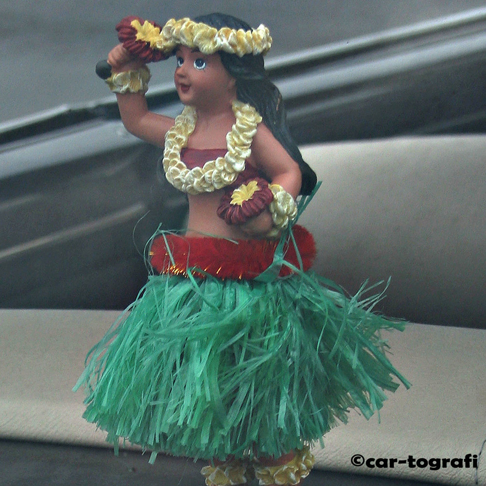 Dancing the hukilau car-tografi