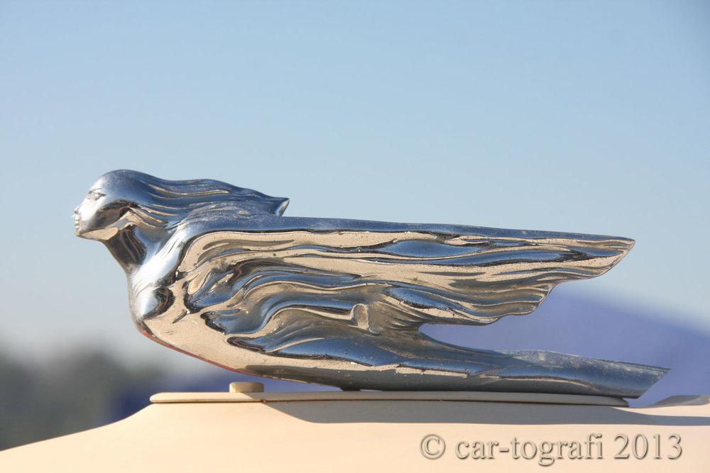 Flying Ladies Hood mascot car-tografi 941