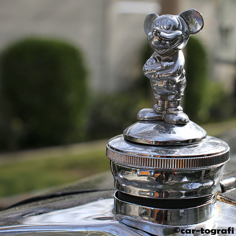 the-mouse-hood-mascot-on-a-1928-ford-model-a-cartografi.jpg