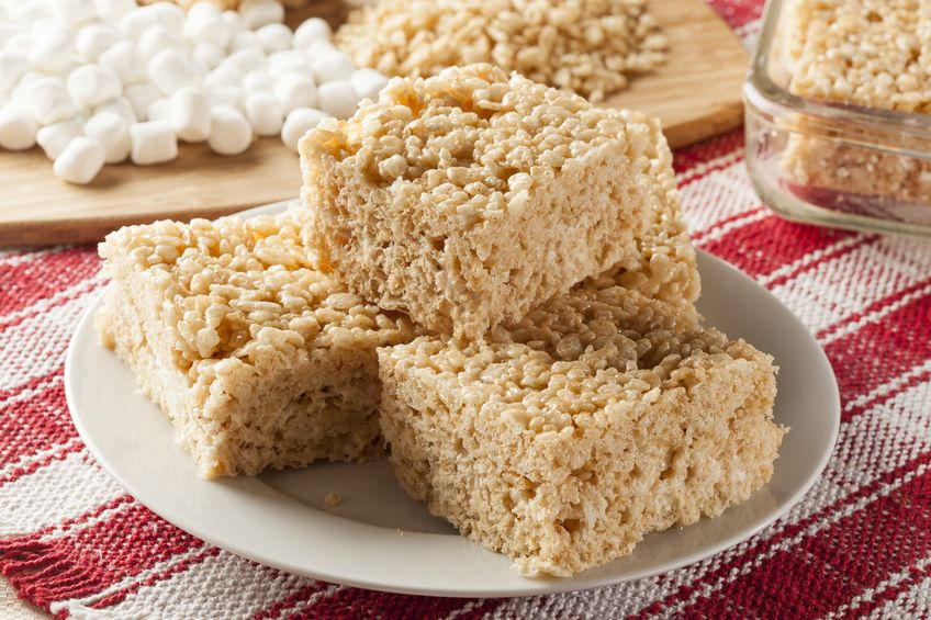 18125896 - homemade marshmallow crispy rice treat in bar form