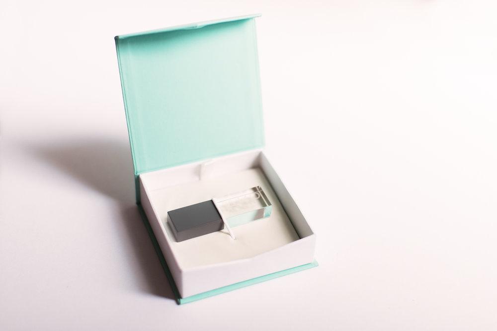 Custom photo USB in keepsake box