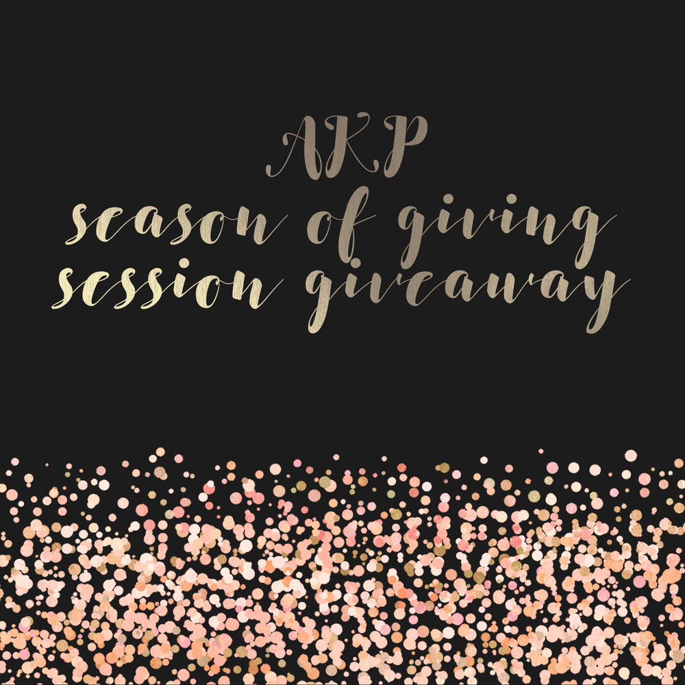 Holiday session giveaway by RI family photographer Amy Kristin Photography
