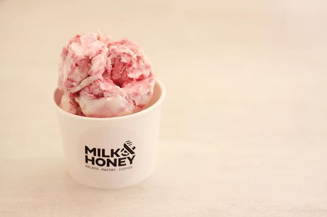 Hurray! There goes mr Monday~ cheers to a gd evening peeps #milkandhoneygelato