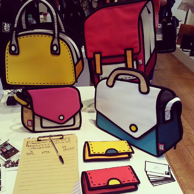 Some amazing 2D-effect bags we found at London Fashion Week #LFW