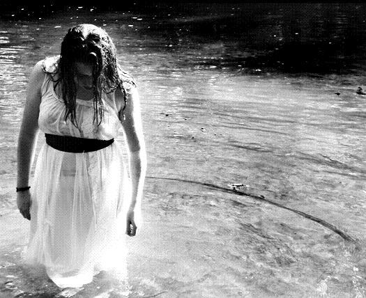 Melanie+River+Horizontal.jpg