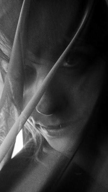 Melanie+Curtain.jpg