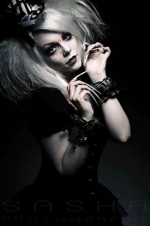 Model: Miss Twisted