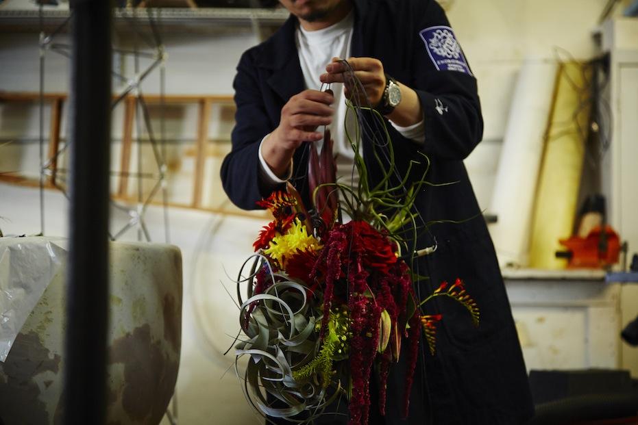 Azuma preparing flowers