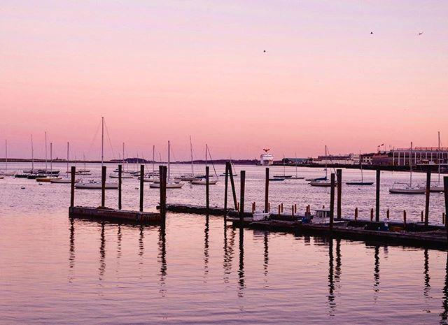 Beautiful sunset in Boston yesterday 👌