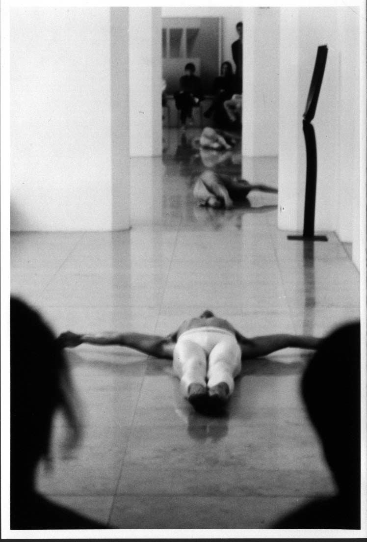 4 Räume, 3 Tänzer und Bilder (1986)