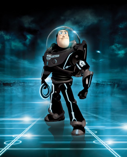 World Of Buzz: Buzz Lightyear Enters The World Of TRON: LEGACY