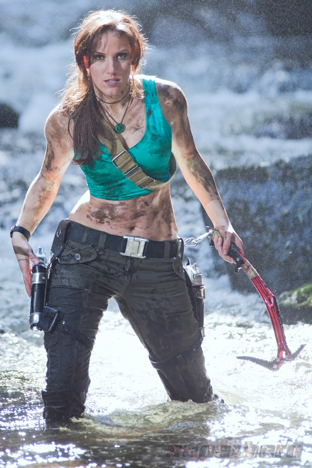 Badass LARA CROFT Cosplay Photos Featuring Jenn Croft - GeekTyrant - 웹