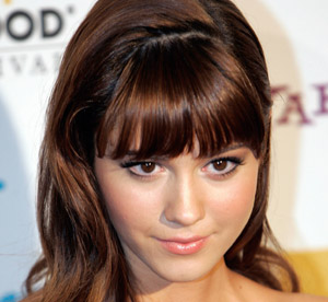 Mary Elizabeth Winstead Cast as Mary Todd in ABRAHAM ...