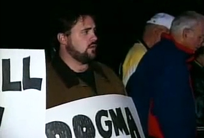 kevin smith spotted protesting dogma in old newscast