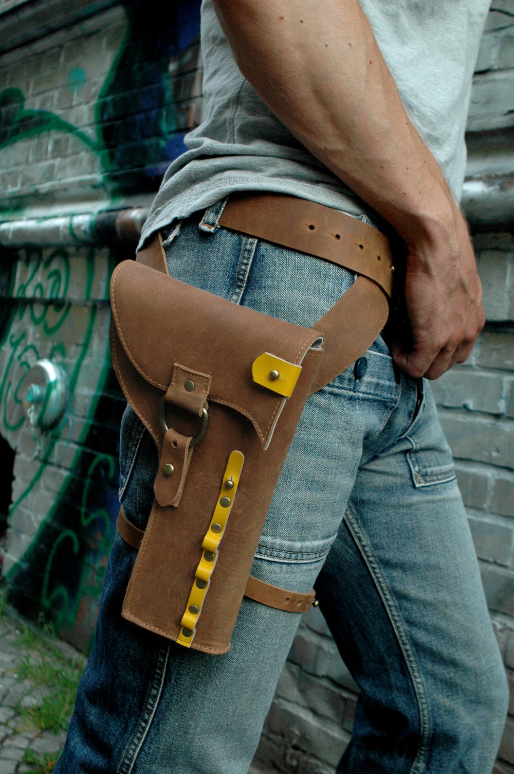 Check Out This Awesome Cowboy Technology Holster Geektyrant