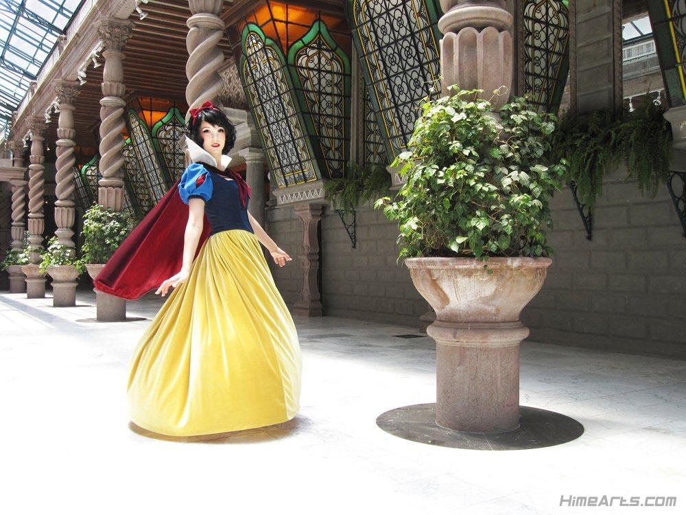 Snow White byRiddle1| Photo by Jenny Barclay