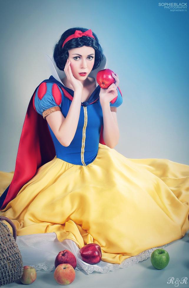 Snow White byRyoko| Photo by SDofB