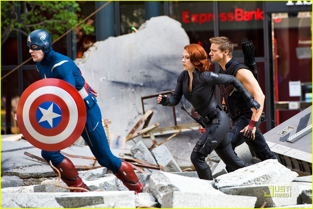 Hereu0027s a great new batch of photos from the set of Joss Whedonu0027s highly anticipated film The Avengers. The new photos feature Hawkeye (Jeremy renner) ...  sc 1 st  GeekTyrant & THE AVENGERS Hi-Res Set Photos - Hawkeye Black Widow Captain ...