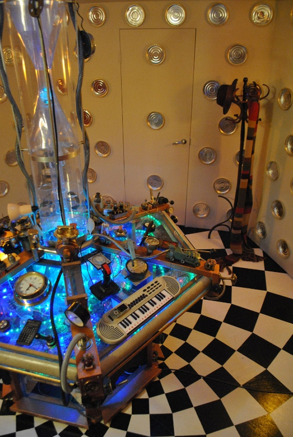 home made tardis control room � geektyrant