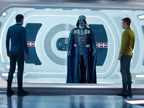 header-the-ultimate-star-wars-vs-star-trek-infographic.jpg