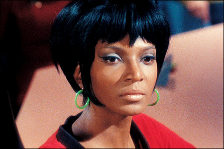 The Touching True Story Of How Martin Luther King Got Nichelle Nichols (Lt. Uhura) Not To Leave ...