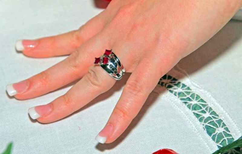 superman and harley quinn marry in awesome geek wedding - Superman Wedding Ring
