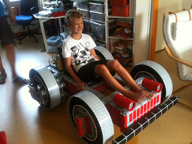 Full Size Go Kart Made Entirely Out Of Lego Geektyrant