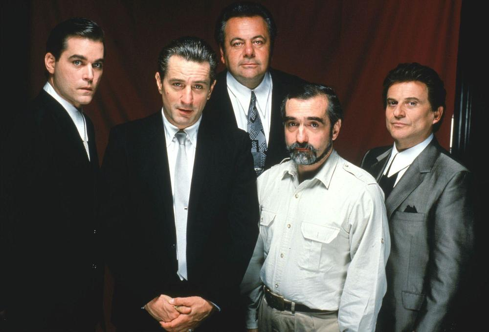 picture-of-robert-de-niro-martin-scorsese-ray-liotta-joe-pesci-and-paul-sorvino-in-goodfellas-large-picture-number-1.jpg