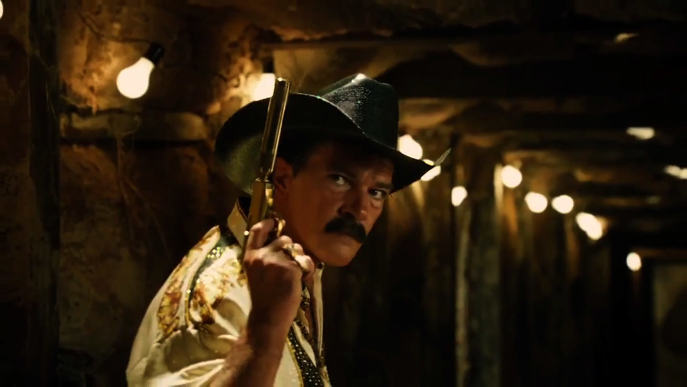 machete-kills-great-new-action-packed-trailer-06.jpg