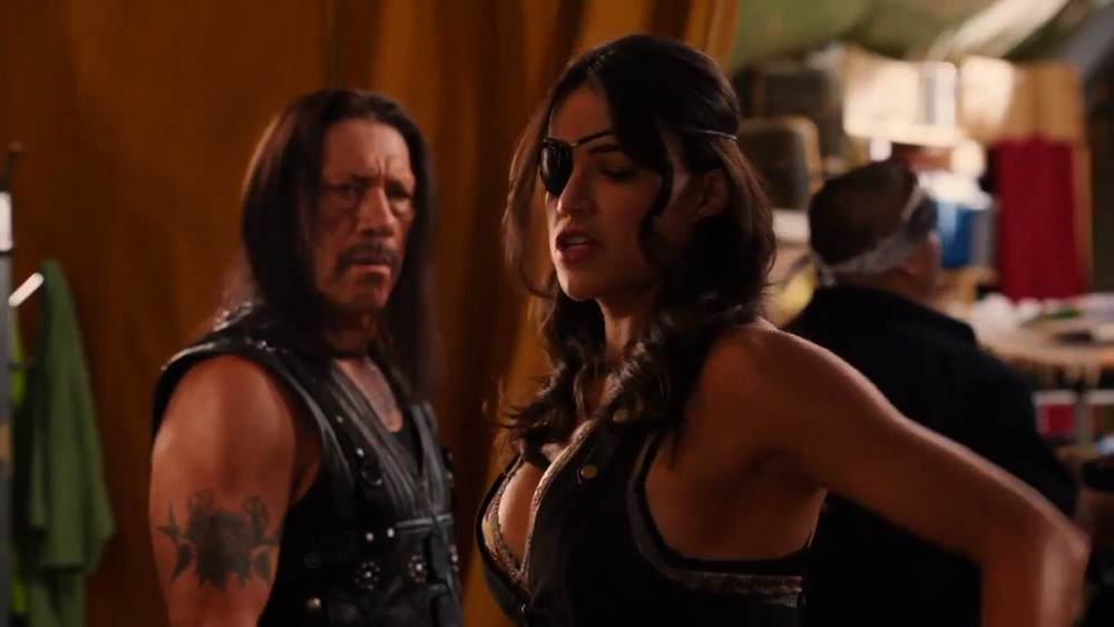 machete-kills-great-new-action-packed-trailer-16.jpg