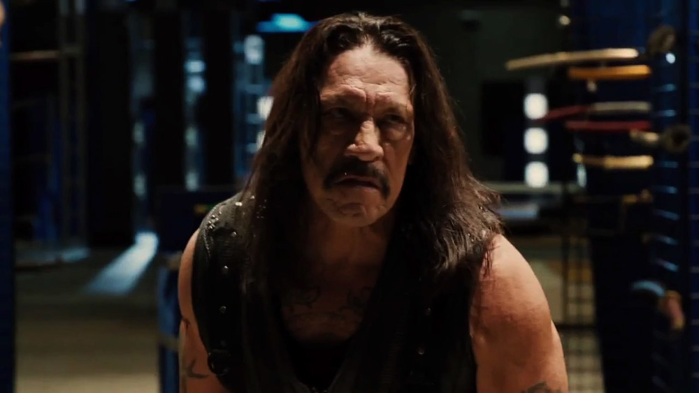 machete-kills-great-new-action-packed-trailer=18.jpg
