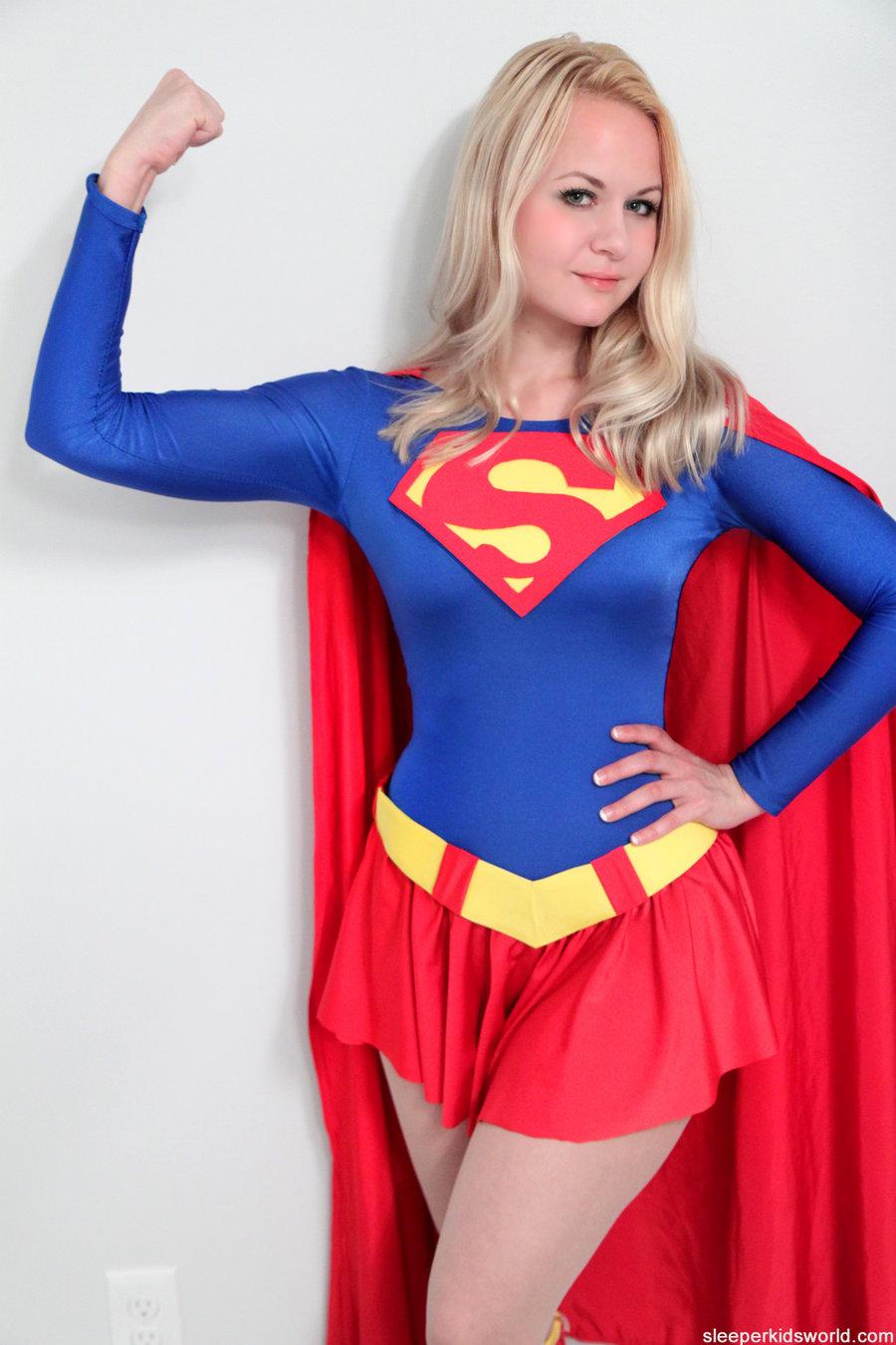 Alisakissis Supergirl