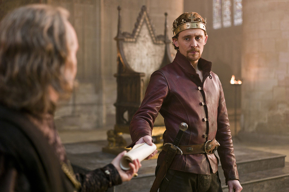 Epic Trailer for THE HOLLOW CROWN with Tom Hiddleston and ...