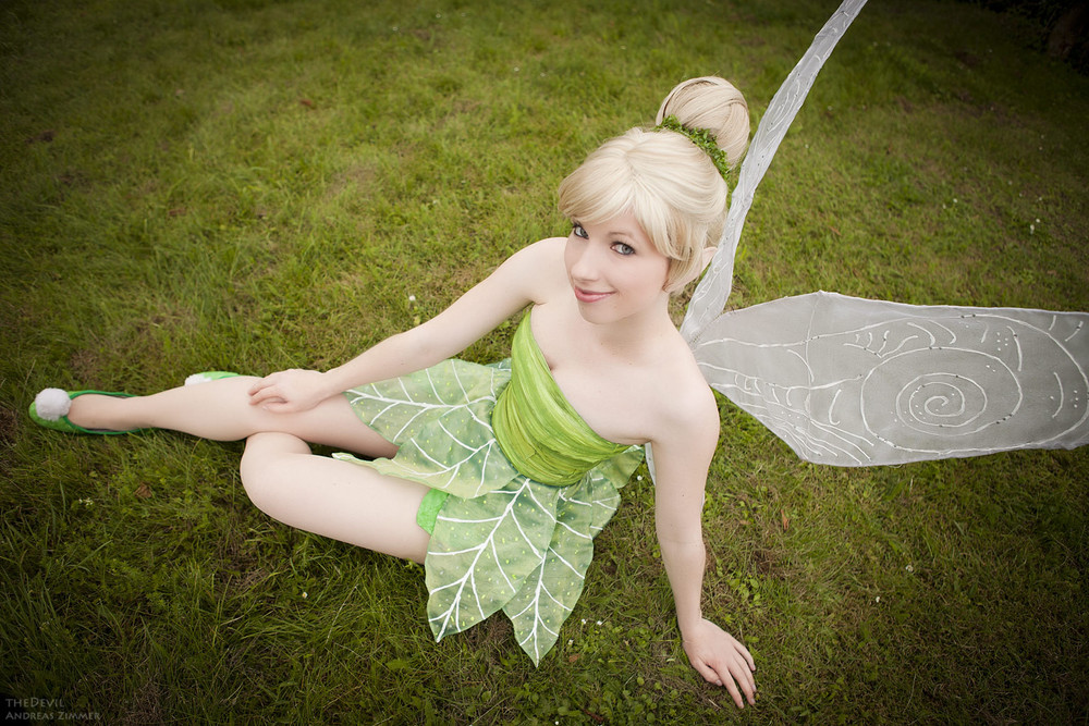 Rayi Kun  is Tinkerbell | Photo by  Thedevil-photography
