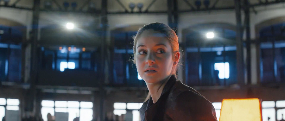first-official-footage-from-the-futuristic-action-film-divergent-6.jpg