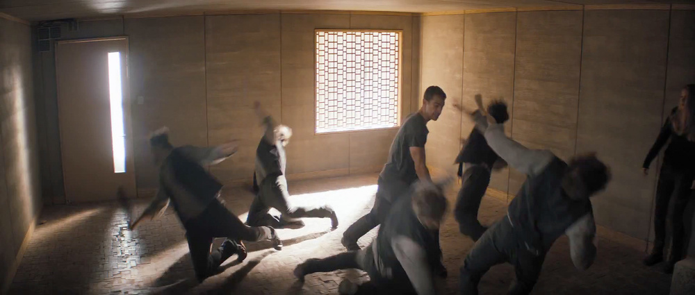 first-official-footage-from-the-futuristic-action-film-divergent-8.jpg