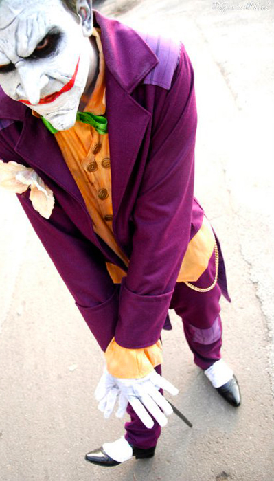 FraGatsu is Joker | Photo by Gabriele Telperion Grosso & Arkham City - Gamer Cosplay Collection u2014 GeekTyrant
