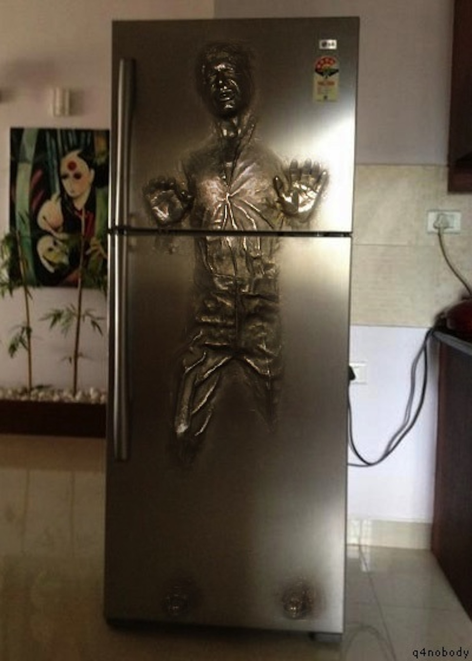 Exceptionnel Hansolocarbonite89483123. Yes, This Refrigerator Of Han Solo Frozen In  Carbonite Is Fake ...
