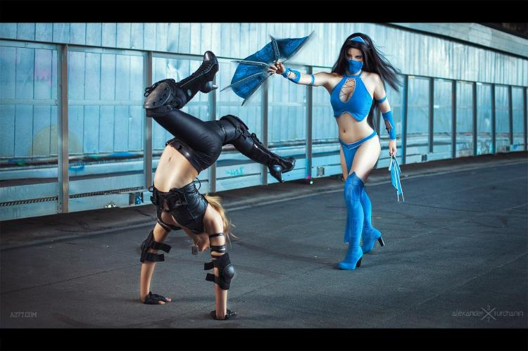 Anastasya  is Kitana and Sonya Maltceva is Sonya Blade | Photo by:  Alexander Turchanin